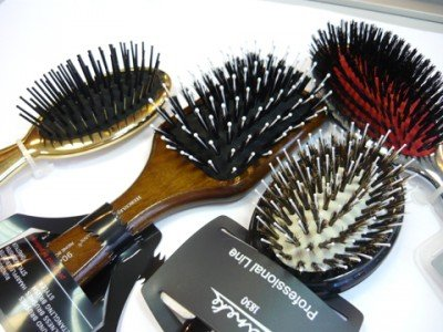 Какую щетку для волос выбрать?