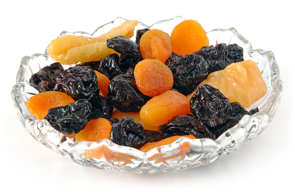 Сушеные фрукты полезнее