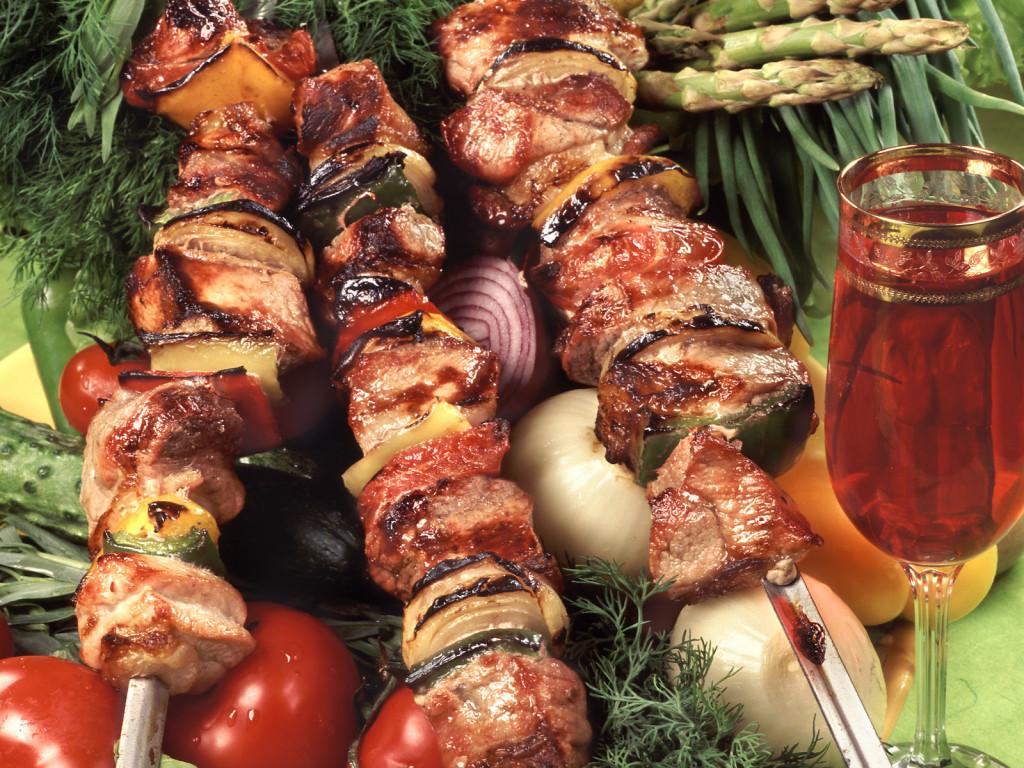 Предлагаем рецепты шашлыка для приготовления на пикнике
