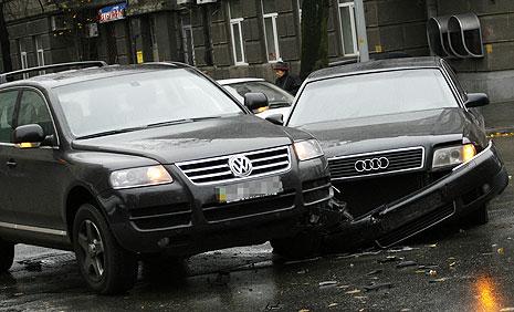 Когда можно уехать с места ДТП и не лишиться водительских прав?
