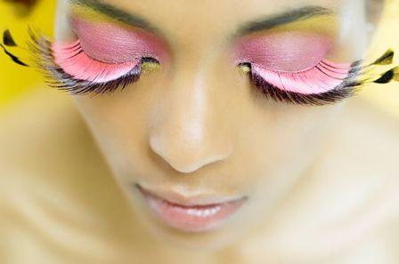 Как правильно скрыть недостатки кожи с помощью позитивного макияжа