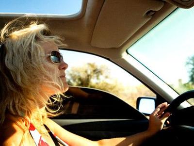 Так ли безнадёжна женщина за рулем?