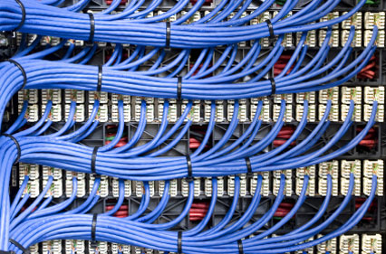 Монтаж  сети слаботочной связи в офисе.