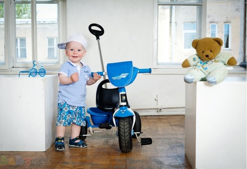 Первый самостоятельный транспорт малыша