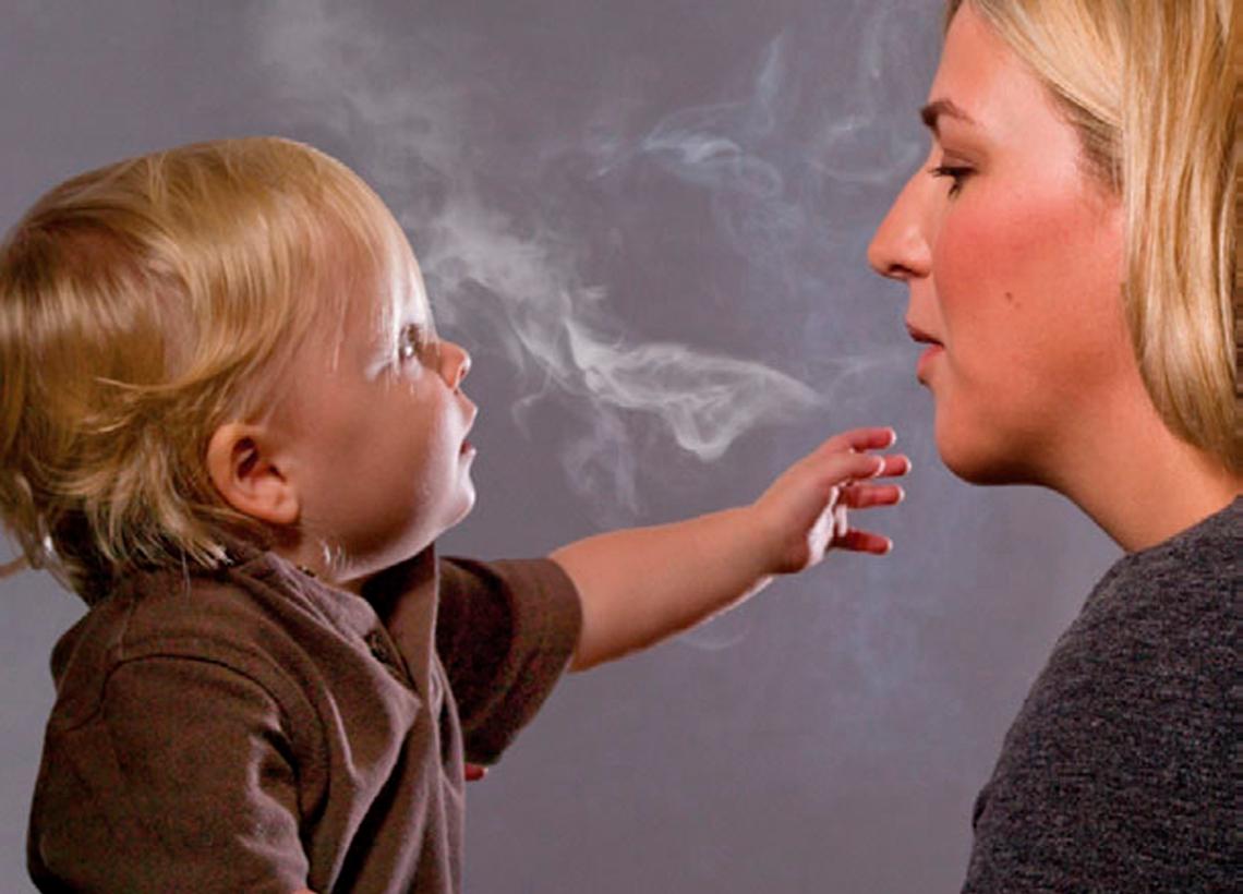 Пассивное курение отражается на детском здоровье
