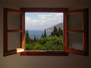 Как повысить шумоизоляцию, если у вас деревянные оконные рамы