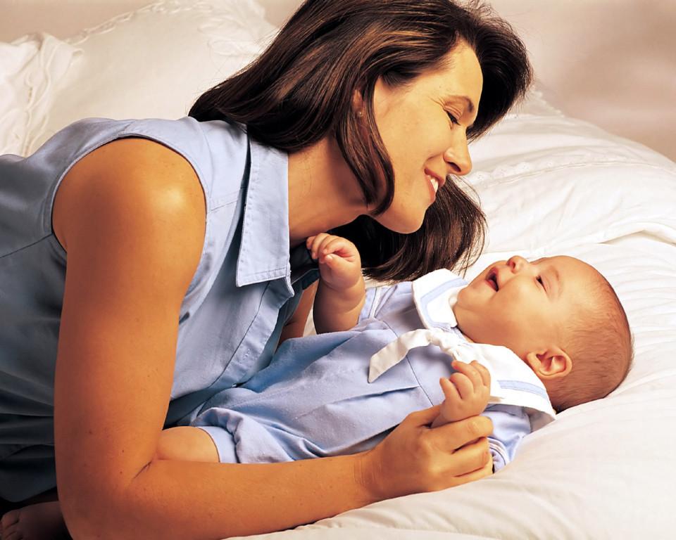 Любовь родителей делает малыша более умным