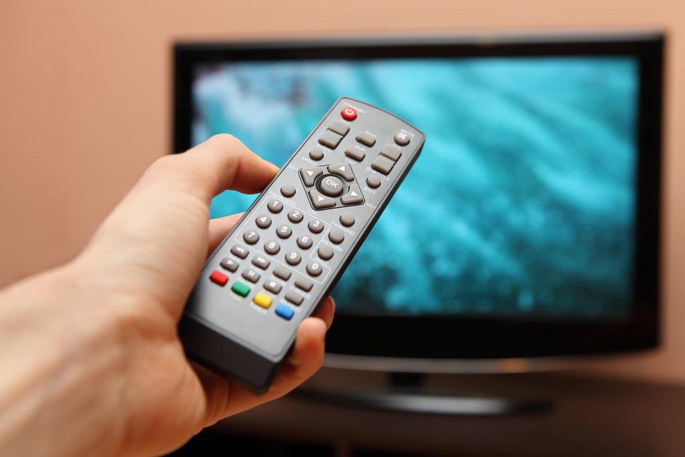 Голубой экран телевизора помогает похудеть