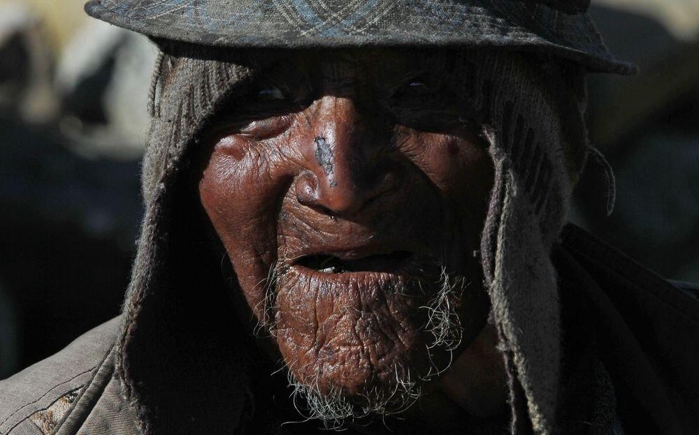 По словам долгожителя, он прожил 123 года благодаря деревенской диете