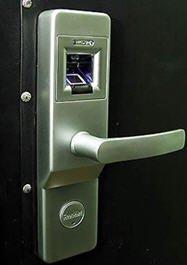 Современные «умные» замки для входных дверей