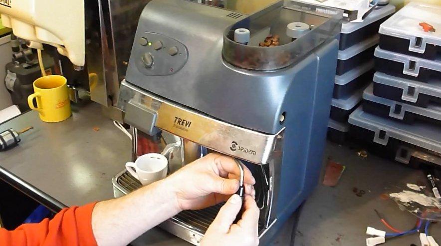 Ремонт кофемашины: о чем молчит мастер?