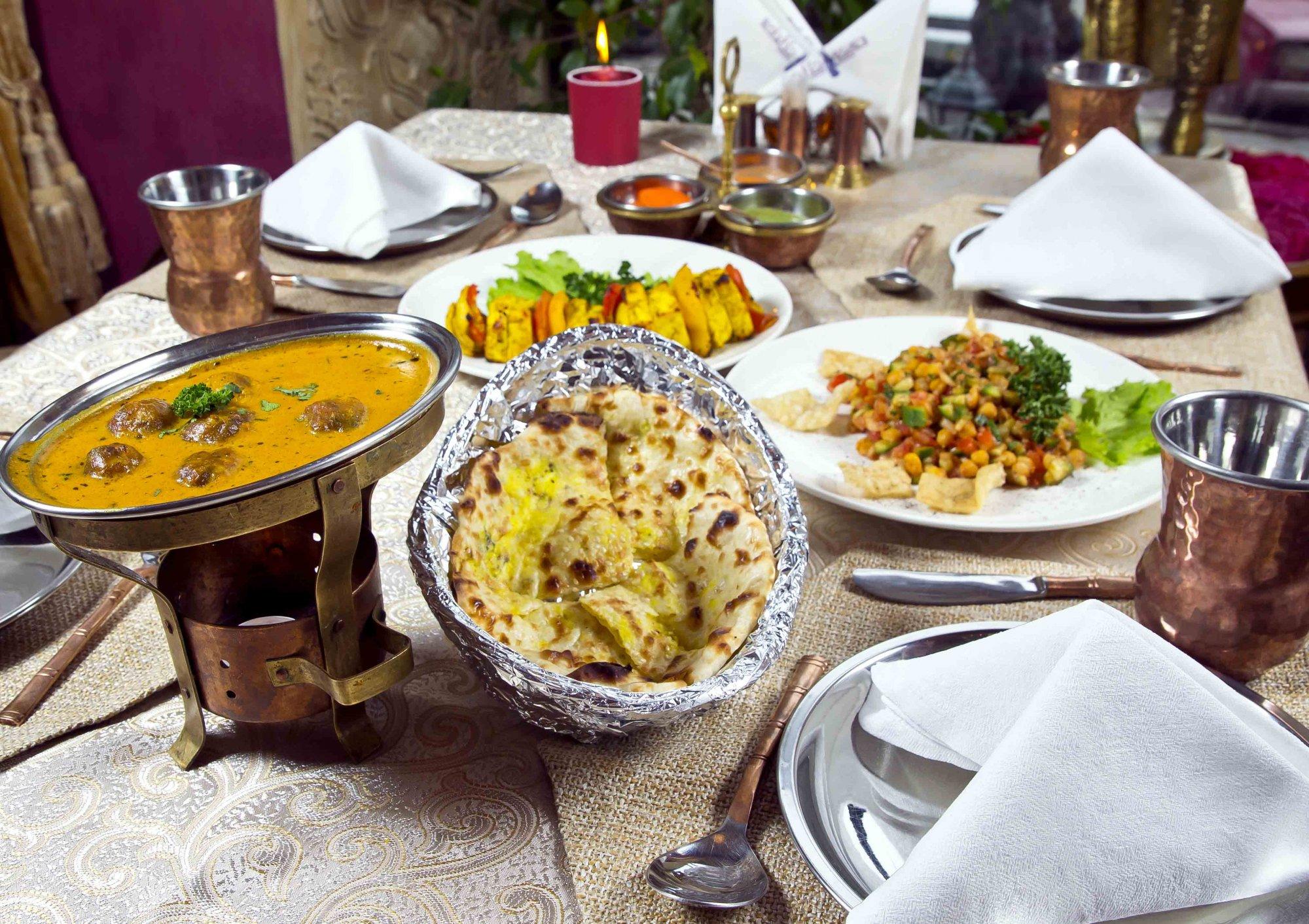 Правильное питание: что выбрать в ресторане греческой или индийской кухни?