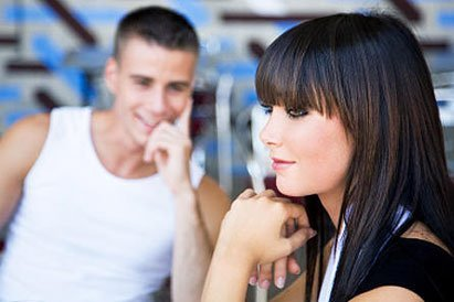 Как одинокой девушке познакомиться с мужчиной?
