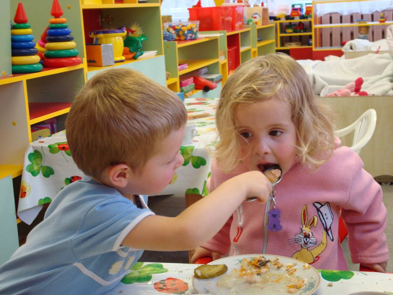 Детский сад – начальная ступень в подготовке ребенка к миру под названием «Школьная парта»