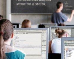Гугл обучит девушек программированию