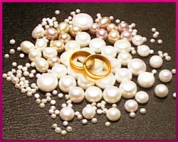 Подарки из жемчуга на жемчужную свадьбу