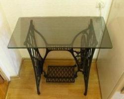 Журнальный столик из швейной машинки
