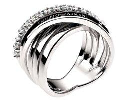 Украшения из серебра: особенности, преимущества