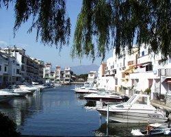 Эмпурия Брава - отдых в испанской Венеции