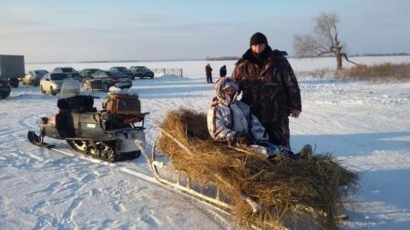 Герой Советского Союза Борис Кузнецов — на зимней рыбалке