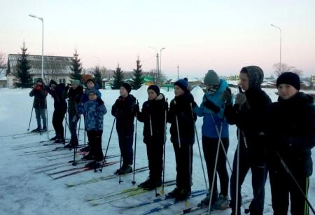 Учащиеся Кирбинской школы готовятся к Спартакиаде по лыжным гонкам