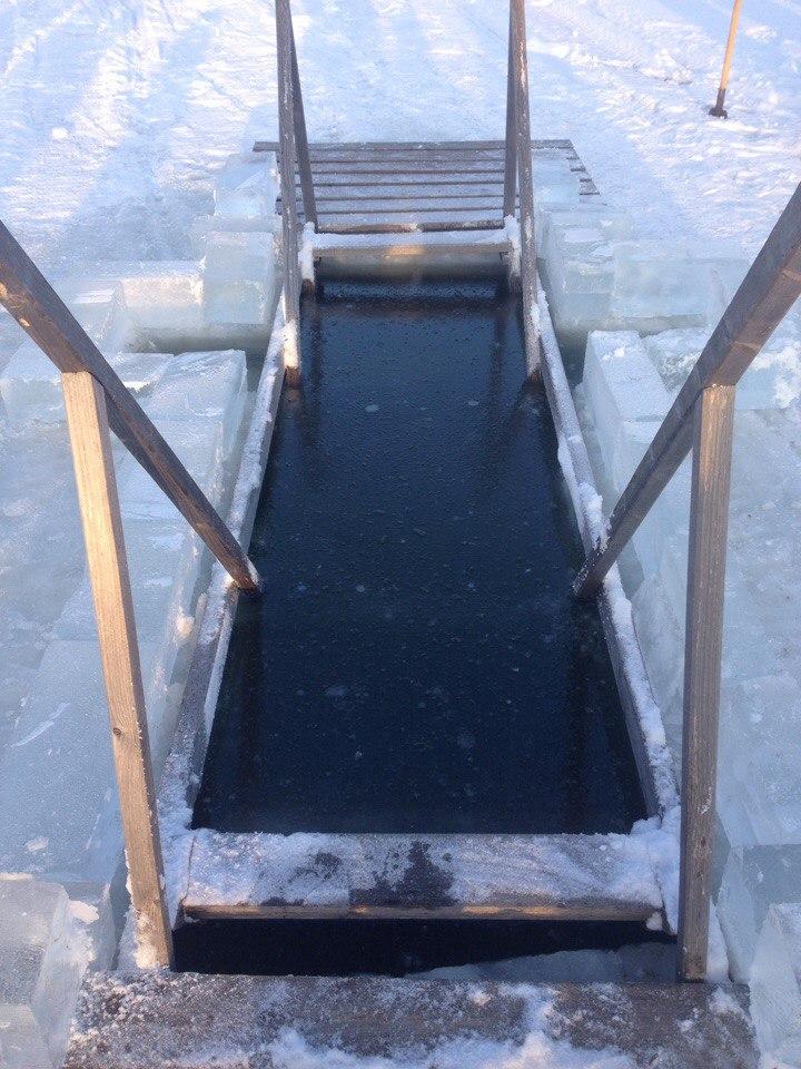 Подготовка купелей на крещенские купания. Атабаево