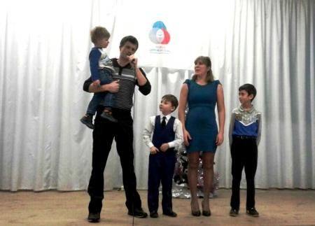 Зачем родители 1 класса Лаишевской СОШ №2 пели и танцевали