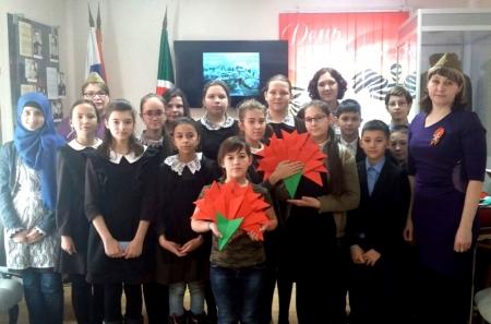 Ученини Лаишевской школы № 2 посетили музей боевой славы
