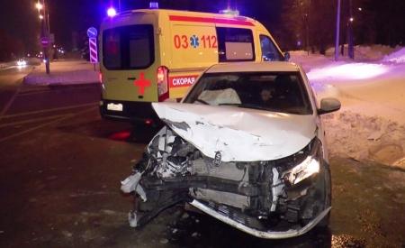 Четыре человека пострадали в ночном ДТП