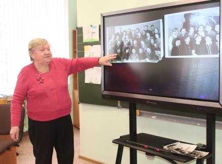 Нина Балянова - активистка, общественница и просто бабушка в гостях у четвероклассников гимназии. ФОТОГАЛЕРЕЯ