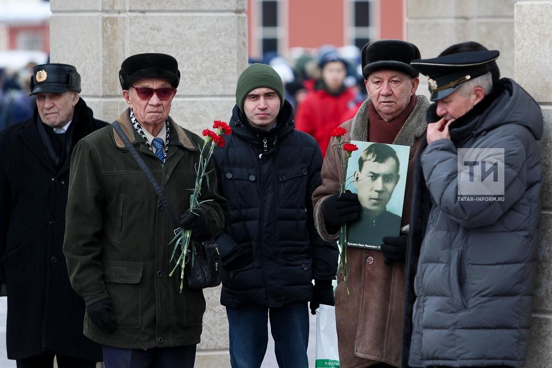 В Казани состоялся посвященный 75-летию победы под Сталинградом митинг-концерт