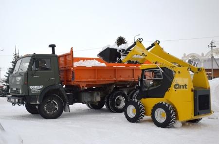 В Лаишеве продолжается уборка снега