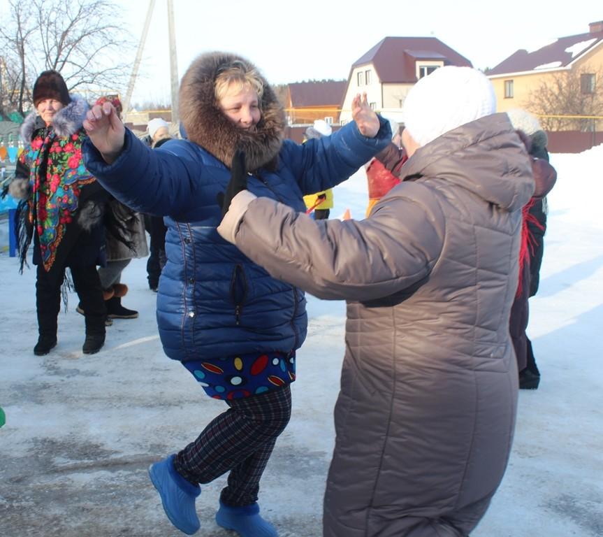 Сегодня  в Лаишеве с боем Масленицу отвоевывали, частушки пели да блины ели. ФОТОГАЛЕРЕЯ и ВИДЕО