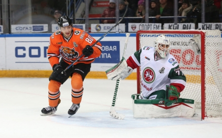 Хоккей. «Ак Барс» одержал третью победу над «Амуром»