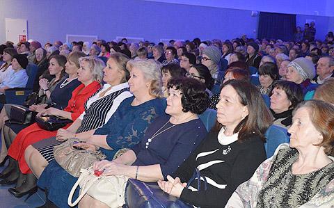 В Лаишевском РДК поздравили женщин района