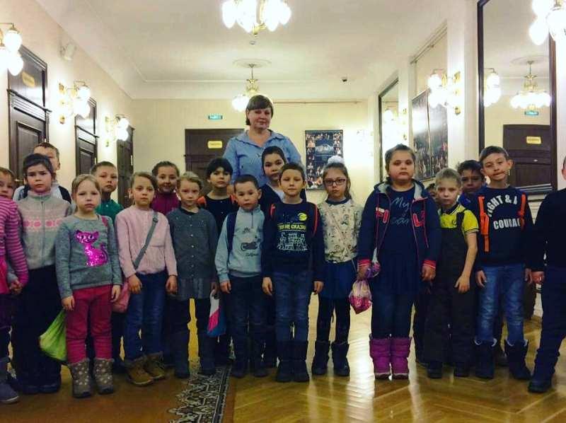 Сокуровские школьники посетили театр