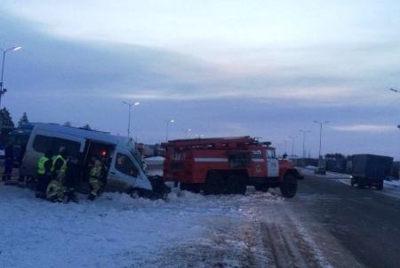 В страшном ДТП погибли двое и пострадали шесть человек
