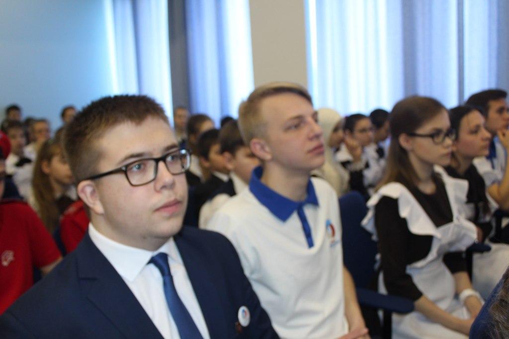 В гостях у школьников - Герой Советского Союза Борис Кириллович Кузнецов