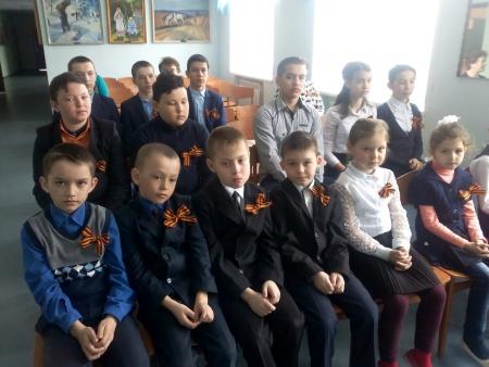 Учащиеся Лаишевского района раздают георгиевские ленточки. Часть 1