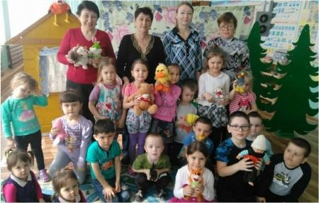 Атабаевским ребятам показали кукольный спектакль