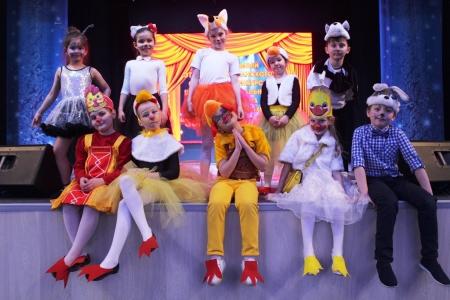 Какой театральный коллектив сегодня стал победителем конкурса спектаклей на английском языке