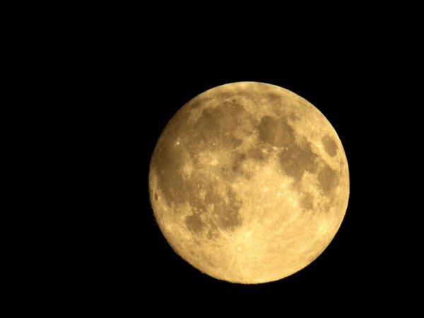 Темная сторона Луны: Китай в эти выходные запустит новый спутник