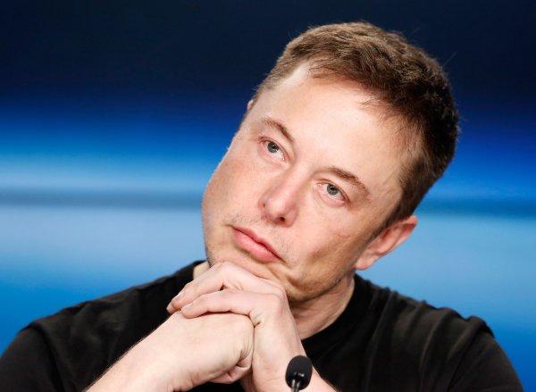 За час вокруг света: Илон Маск приспособит SpaceX и Hyperloop для планетарных круизов