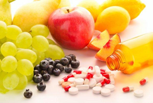 Медики назвали витамины, необходимые организму во время диеты