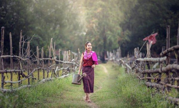 Ученые: Жители деревень в 8 раз счастливее горожан