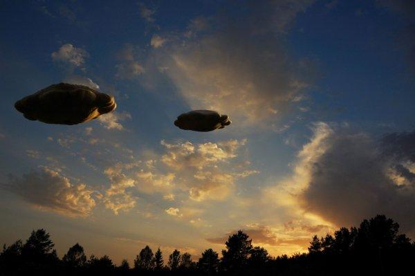 Слияние двух НЛО попало на видео и «взорвало» соцсети