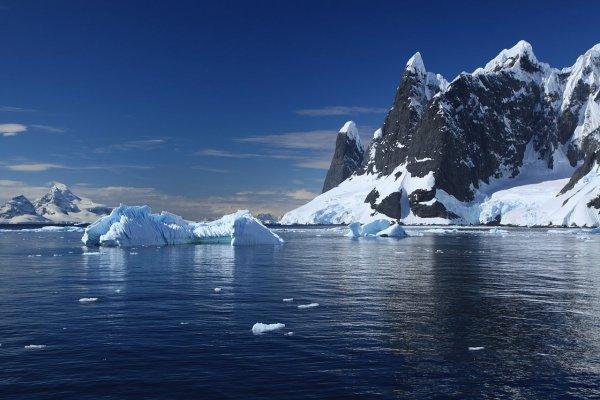 Учёные нашли гигантские каньоны в Антарктике