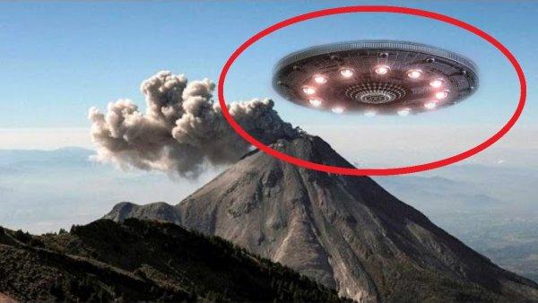 Уфологи: Три НЛО атаковали крупнейший вулкан на Канарских островах