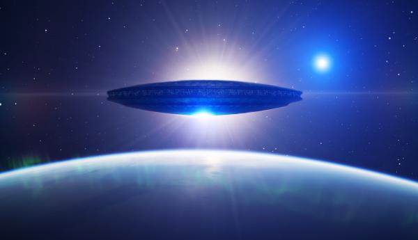НЛО на огромной скорости пролетел мимо МКС