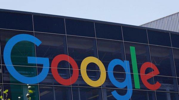 Нейросеть от Google научили отслеживать и раскрашивать отдельные объекты на видео